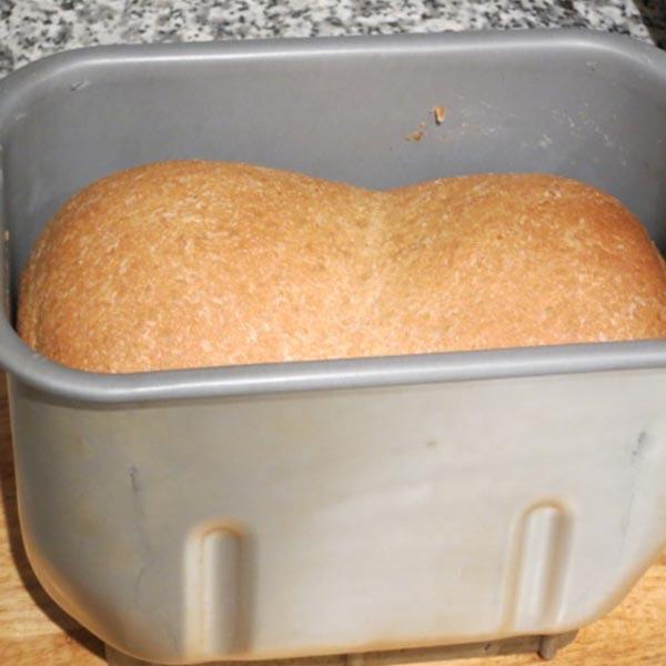Хлеб цельнозерновой на закваске в хлебопечке